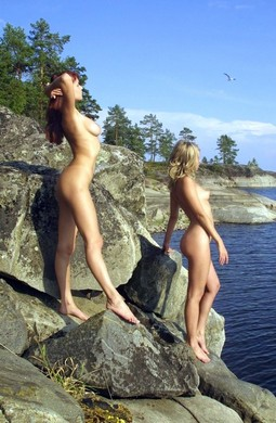 Nude goddess Koika and Vedetta from Erotic Beauty